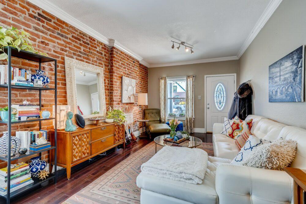 08 Living Room 1588872065762