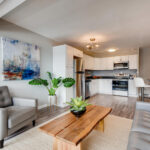 1121 Albion St 504-large-003-011-Living Room-1500×1000-72dpi
