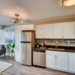 1121 Albion St 504-large-004-003-Kitchen-1500×1000-72dpi