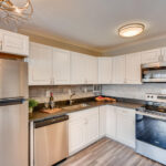 1121 Albion St 504-large-005-004-Kitchen-1500×1000-72dpi