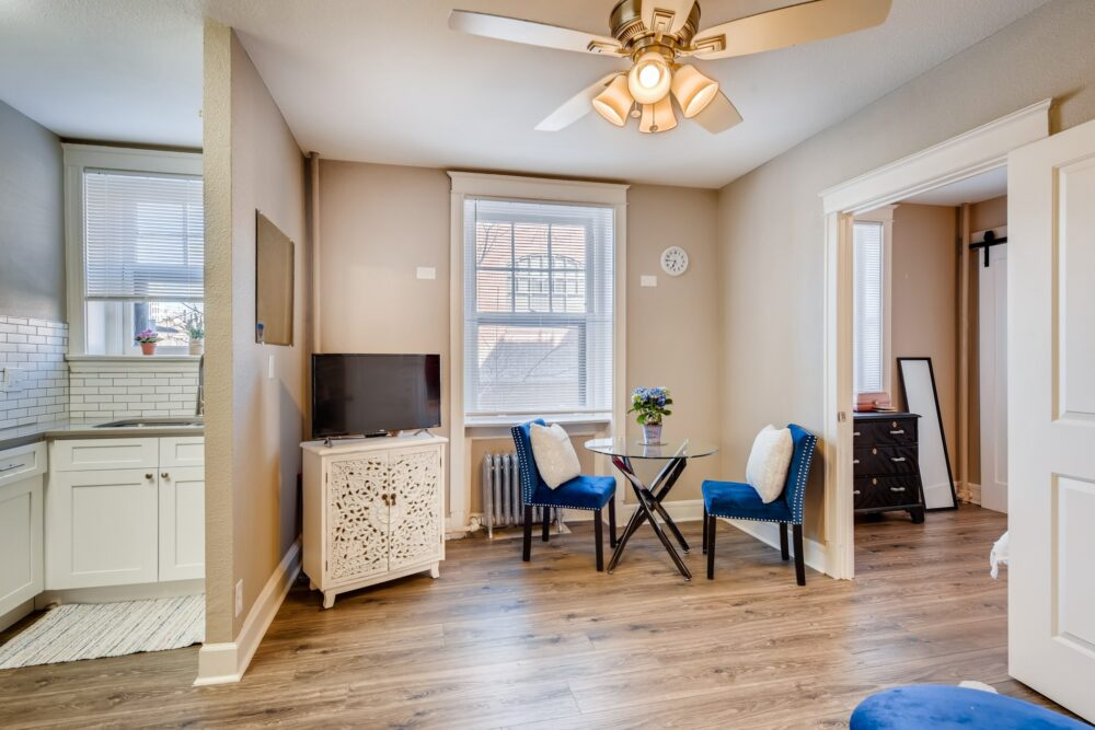 30 Living Room 1581012624334