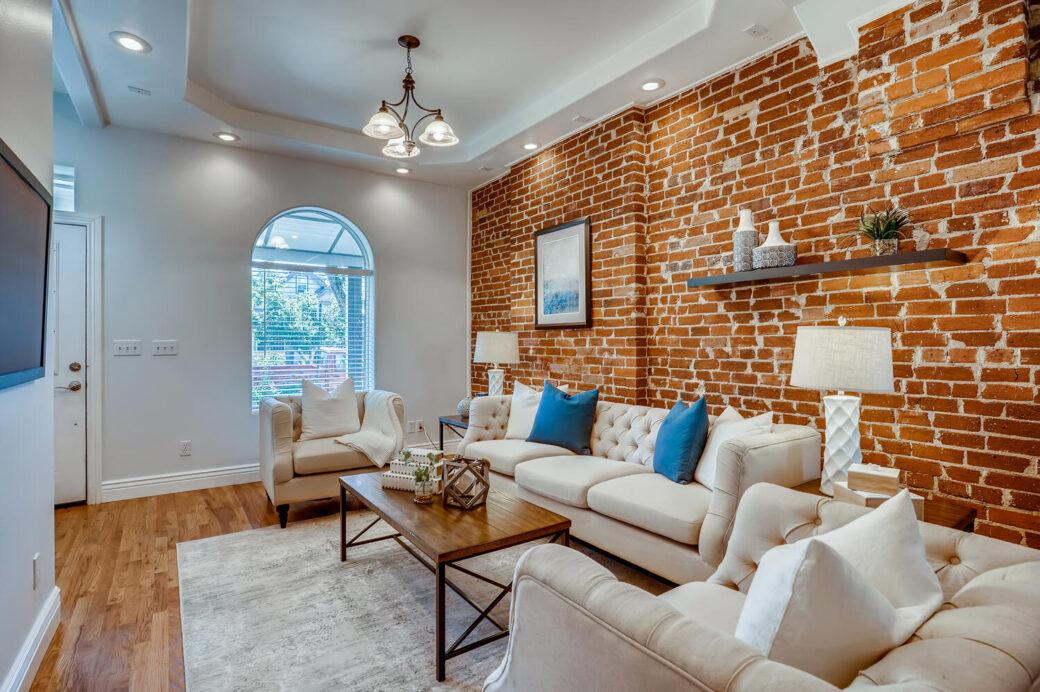 439 Fox Street Denver CO 80204-large-008-005-Living Room-1500×999-72dpi